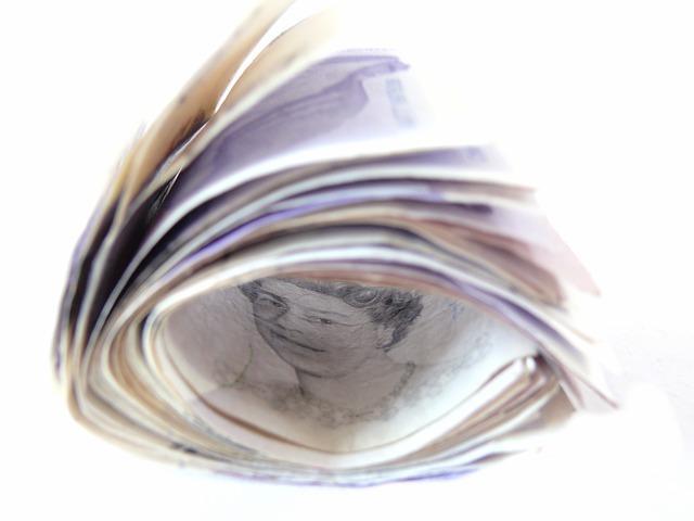 social media marketing money