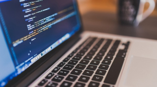 6-Reasons-Learning-a-Coding-Language-Is-a-Great-Idea-805X428