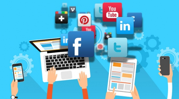 8-Tools-To-Help-Manage-All-of-Your-Social-Media-Accounts