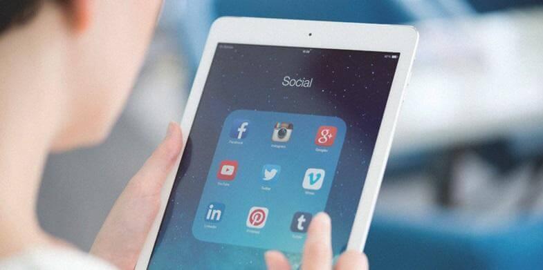 pure-communication-social-tool